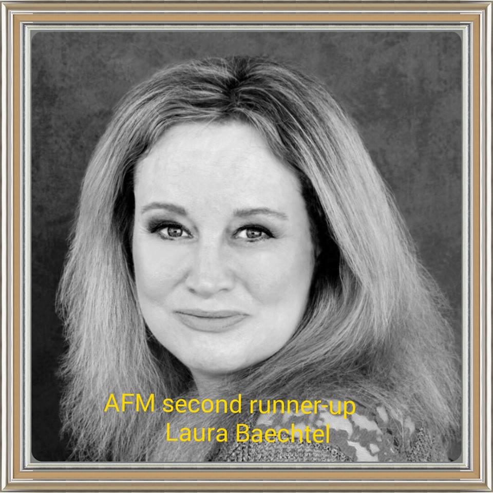 Laura Baechtel Headshot
